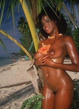 beach-nude